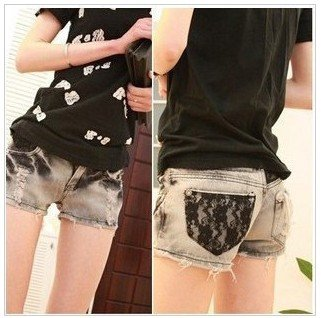 1353-Korean version of women's wear spring/summer 2011 new carbon black Burns old worn to flange curling short denim shorts