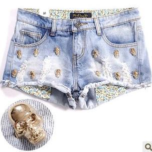 2012 metal skull heads distrressed water wash roll-up hem light blue denim women shorts S,M,L Wholesale priceB1007