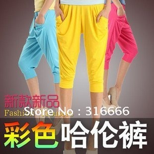 2012 new and fashion ladies' shorts for spring and summer.Viscose women 3/4 elastic baggy shorts hot item!!