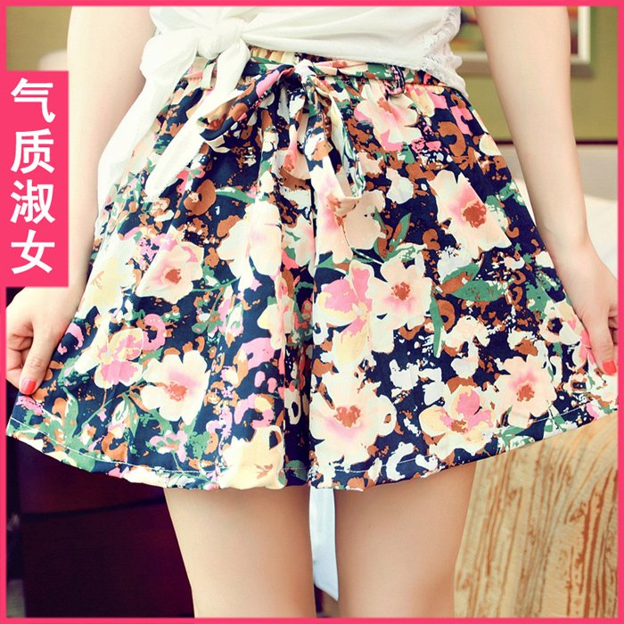 2012 new arrival lady's flower mid waist lacing loose casual shorts,sexy shorts Pants