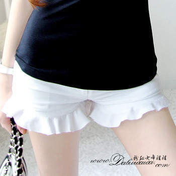 2012 spring white super all-match ruffle women's small shorts