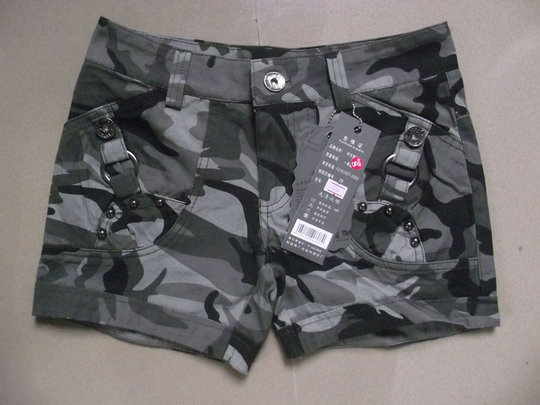 2013 Fashion women's camouflage short pants ladie's personality cool cargo shorts free shipping
