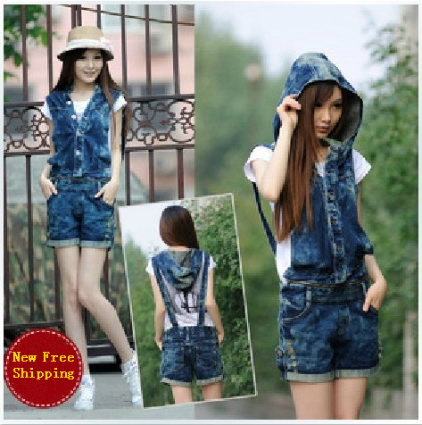2013 Siamese holes in jeans strap shorts, Slim was thin hooded overalls.