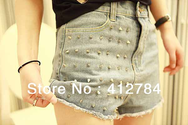 2013 the spring essential Chick same paragraph rivets design denim shorts