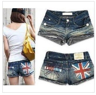 3,393 metres behind the Korean ladies ' summer of 2012 new Word pattern denim shorts hot pants