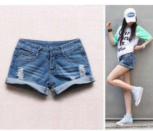 3,677 Superman a new Korean women's 2012 summer season both worn edge denim shorts