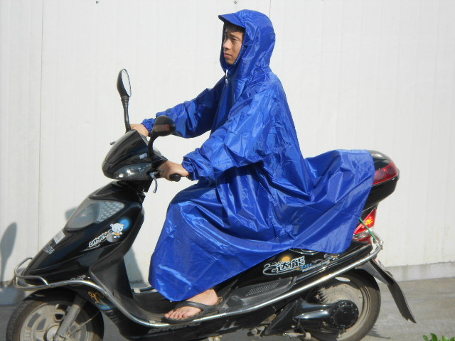 adult  waterproof motorcycle rainwear with sleeves rain poncho cheap rain coat