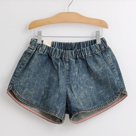 Autumn , Bai Hua ] 2013 new Japanese washing wild loose denim blue sports shorts