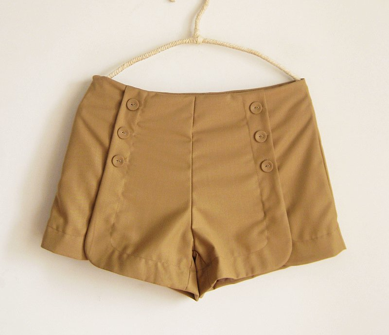 Button high waist shorts poppiesears Red khaki