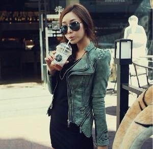 Chic Fashion Women Punk Strong Spike Studded Shoulder Denim Cropped Jacket Coat