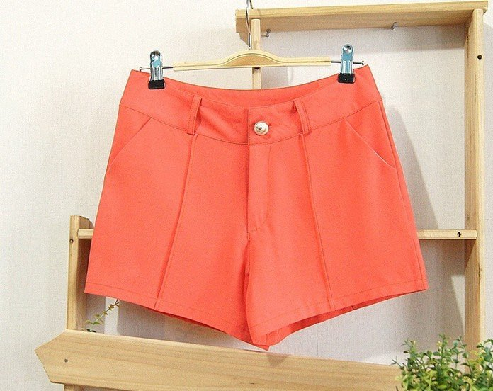 Clearance Sale Fashion Women's Chiffon Shorts Pants Available in 3 colors 2 Sizes Free Shipping