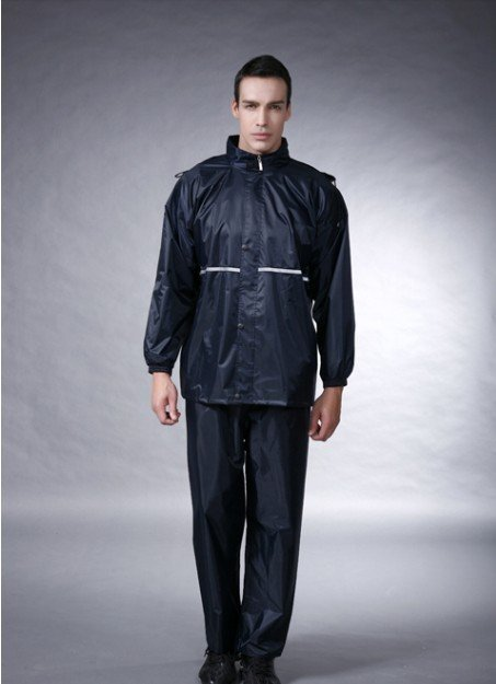 Electric motorcycle fashion raincoat, men and women fission rain suit