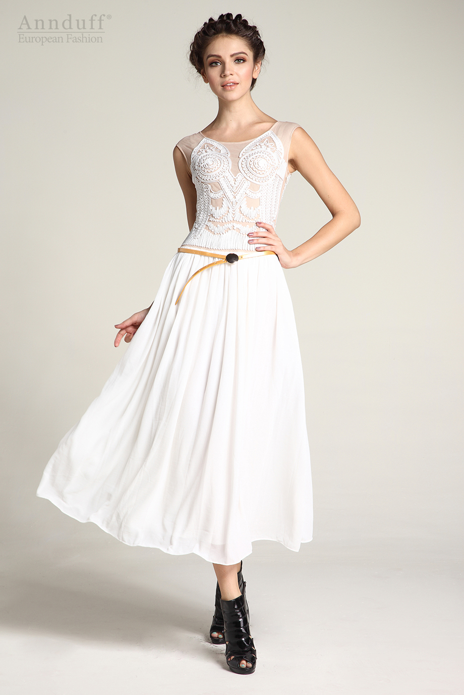 Embroidery sleeveless Chiffon Dress