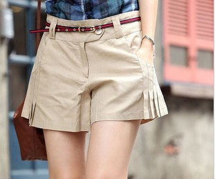 free shiping  Han edition 2013 new summer Pure color simple creases  leisure shorts (Send belt)