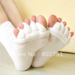 Free Shipping 10pairs/lot Happy Feet Foot Alignment Socks As Seen On TV Comfy Toes Sleeping Socks Massage Five Toe Socks