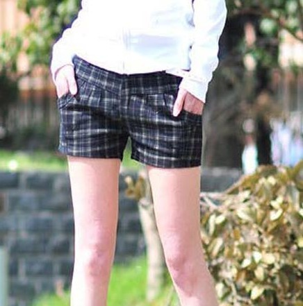 Free shipping 2012 all-match casual low-waist plaid shorts boot cut jeans female shorts 249 women