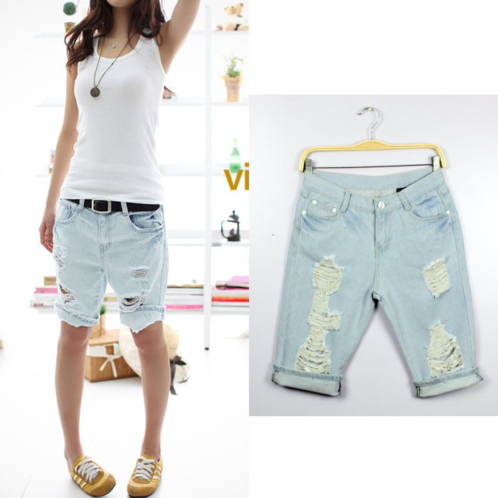 Free Shipping 2012 New Fashion Dog Pattern Embroidery Pocket Jeans Women Hole Short Denim Short Pants