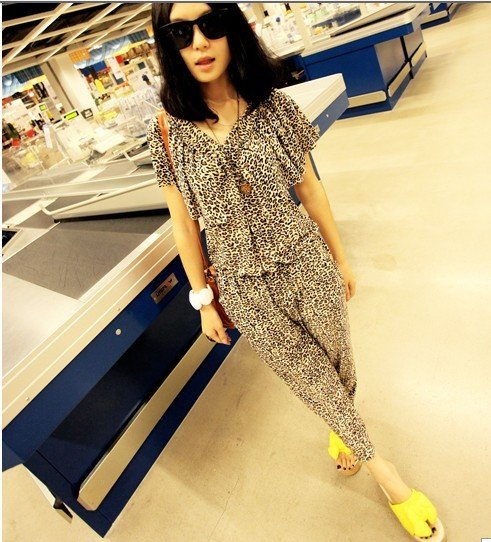 Free shipping-  2012 newest  women leopard jumpsuit, women rompers, lady free size loose rompers 402-9803