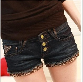 Free Shipping 2013 Fashion Leopard Denim Shorts Women Three Buttons Jeans Shorts Casual Wear IRIS Knitting DK-004