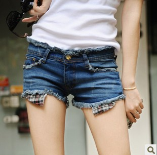 Free shipping 2013 Korea style slim lady denim shorts, deckle edge plaid lining fashion summer jeans shorts, hot solid color