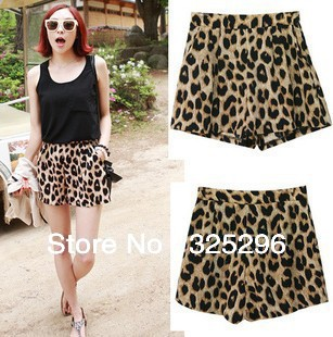 Free shipping 2013 New Women irresistible popular classic leopard leisure shorts hot pants dq128