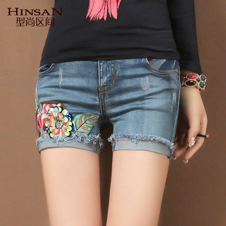 Free shipping 2103 new style summer short capris fashion cotton short jean pants with  Embroidery  China folk style and on sale
