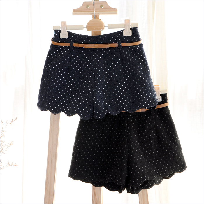 Free Shipping all-match polka dot wave edge cashmere woolen casual shorts boot cut jeans with belt (Black+Blue)121216#20
