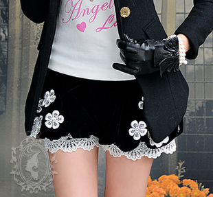 Free shipping black lace lady low waist short pants LM2420