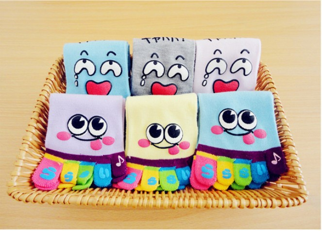 Free shipping Cartoon expression brief paragraph five toe socks lovely cotton socks couples socks #H0116