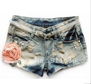 Free shipping!Europe and the United States, Korean seasons female Slim frayed hole flowers denim short shorts.