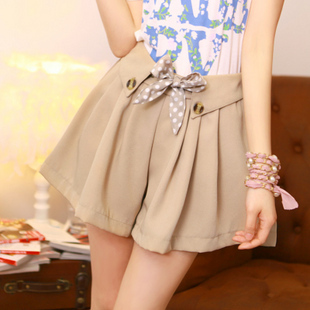 Free Shipping Fashion Vintage Polka Dot Belt Elastic Waist Women's Shorts Sweet Style Casual Loose Female Shorts 2013 New In