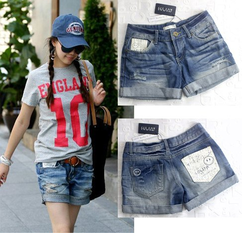 Free Shipping Hot selling  Smiley pattern wearing white roll-up hem hole denim short jeans for ladies, hot pants MY9866SK