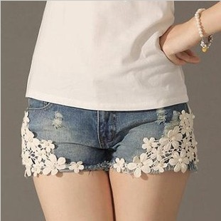 Free shipping ladies summer jeans shorts sweet appliques short pants womens casual shorts