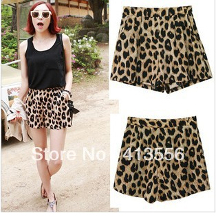 Free shipping  Q93# New! Stop the popular classic leopard leisure shorts hot pants, three  b291 ow