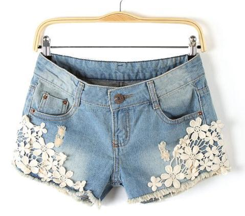 free shipping Spring 2013 new hollow out sweet flowers torn holes in the wood fringed denim shorts    ft419