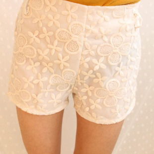 High Quality Spring And Summer Fashion Women Vintage Lace Crochet All-match Shorts Hollow Out Embroidery Flower Hot Pants