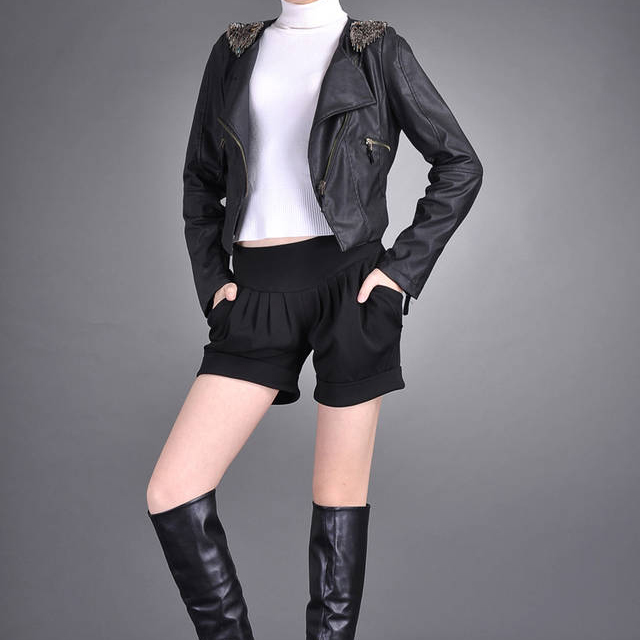 Hot! Hot! Hot! Fast shipping Wholesale New 2012 Winter fashion and casual slim Women's short pants 5923