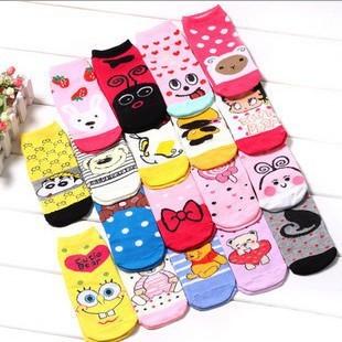 Korean cartoon four socks wholesale 50 color pattern color random delivery