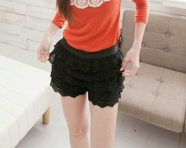 Korean sweet style lace shorts,cascading lace ruffles short pant,vintage beige/black color,free shipping,501