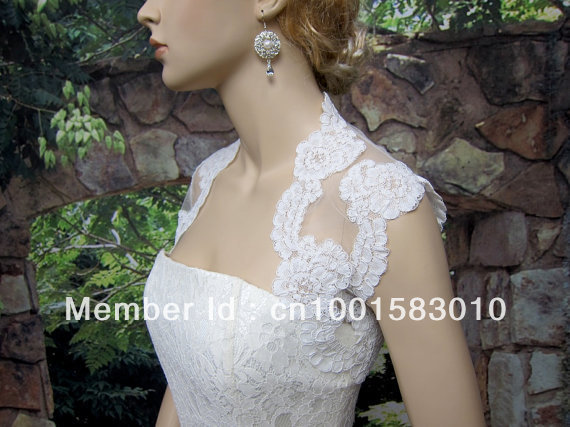 Lace Briadal Bolero Elegant Sleeveless Wedding Wraps With Sexy See Through Back Fast Shipping