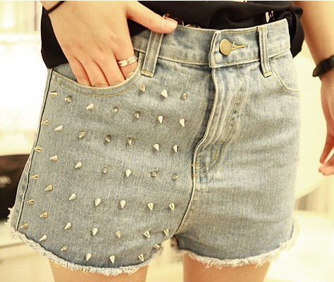Little princess chickens rivet denim jeans shorts light blue color free shipping.
