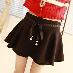 Love me 2012 women's bow pearl pendant decoration puff skirt pants shorts