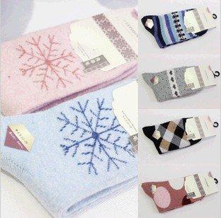 Min Order $10(mixed order) Retail Polka Dot snow peach thicker winter socks Nvwa rabbit wool socks