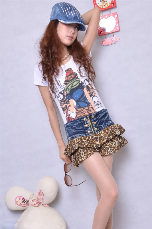 Popular Eye-Catching Stitching Leopard Lotus Leaf Fashion Women's Jean Shorts Free Freight (No. SLA132)