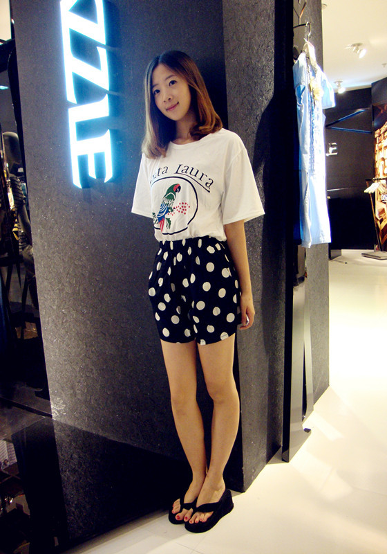 SHOW LK world's version of Women in the spring and summer of 2013,new fashion,dot shorts