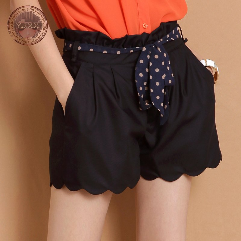 Small wave edge solid color high waist pleated slim shorts polka dot belt