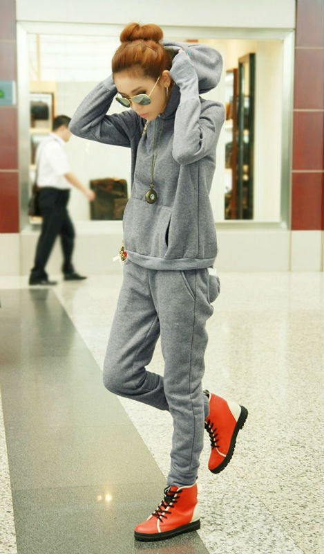 Snapback Wholesale Women Grey Loose Broadcloth Polyester Casual Sport Suits 192956 Specialized