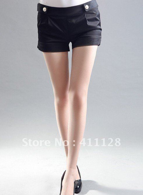 Spring and summer new Korean women simple shorts with gold buttons