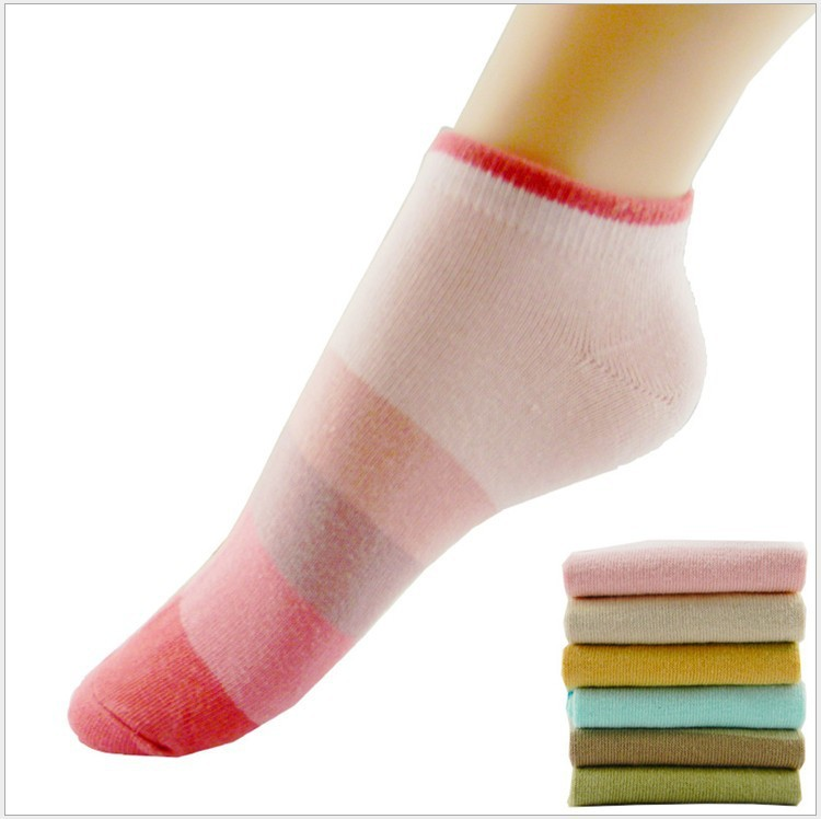 Spring thin section of cotton Gradient color bar men and women couple socks, candy color boat socks sports socks