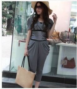 Stylish Rivets Embellished V-Neck Jumpsuit Deep Grey free shippingWD12031405